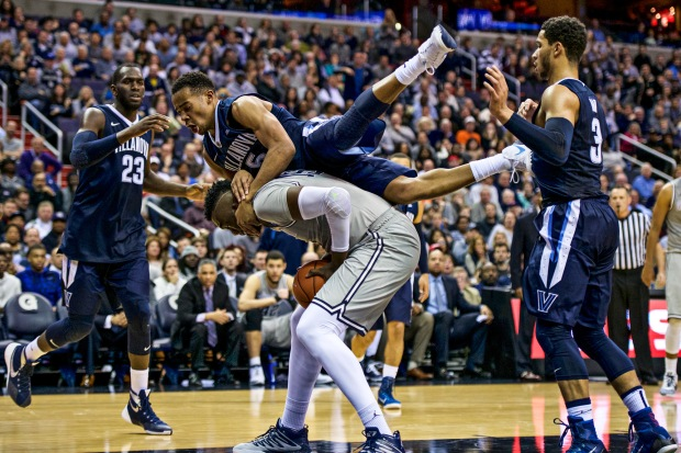 Learn to photograph college basketball